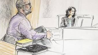 Gerichtszeichnung mit dem angeklagten Sozialpädagogen (links)