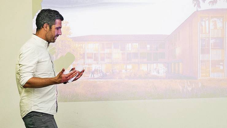 Axel Beck von der ausführenden «Atelier ww Architekten SIA AG» präsentierte das Siegerprojekt an der Versammlung.
