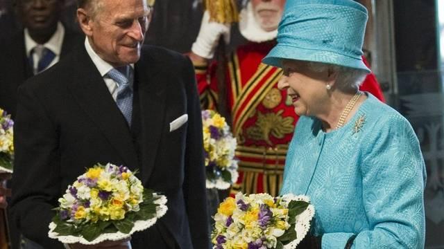 Queen Elizabeth II. feiert mit Ehemann Prinz Philip den traditionellen Gottesdienst