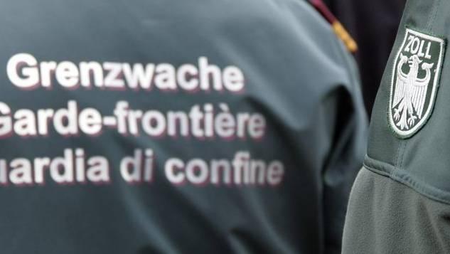 Deutsche Zöllner haben mehrere Schmuggler aus dem Verkehr gezogen. (Symbolbild)