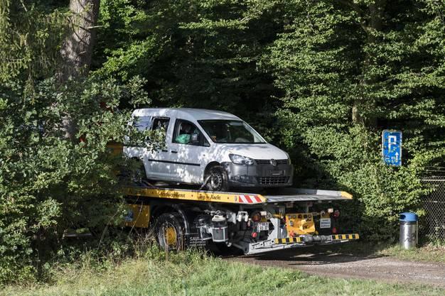 Der Kettensägen-Angreifer von Schaffhausen ist in Polizeigewahrsam. Schon früher hatten Einsatzkräfte das Auto des Mannes abgeschleppt.