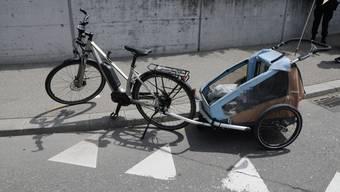 Unfall auf Schöngrünkreisel zwischen Auto und Velo