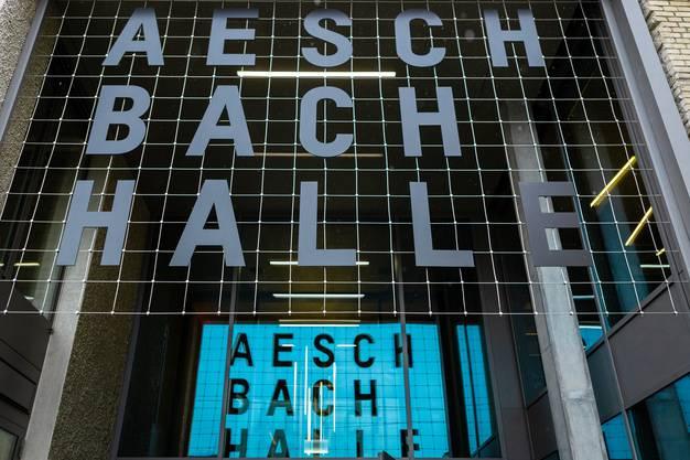 Eingang zur Aeschbachhalle.