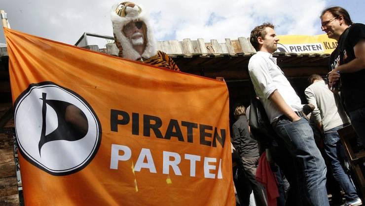 Die Piratenpartei setzt sich mit ihrer neuen Forderung für mehr Demokratie ein.