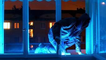 Der Einbrecher wurde in einem Reinacher Coiffeurgeschäft gefasst. (Symbolbild)