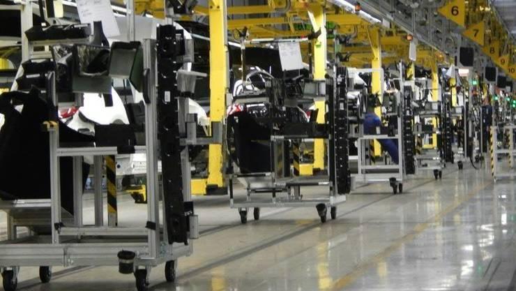 In der Kontraktlogistik bieten Logistiker wie Kühne+Nagel den Autoherstellern massgeschneiderte Lösungen beispielsweise für den Transport von Modell-Komponenten an.