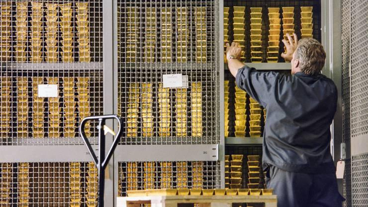Seid umschlungen, Milliarden – die riesigen Gold-, Aktien- und Währungsbestände der Nationalbank haben ihr in diesem Jahr einen enormen Gewinn eingebracht.