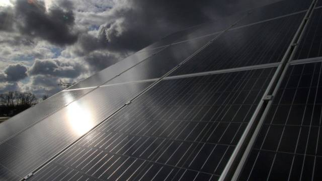 Düstere Wolken über EU-Solarmodul-Geschäft für China (Symbolbild)