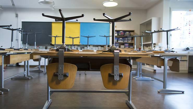 Schluss mit Schulfrei: Aargauer Lehrer sollen ihre Weiterbildungskurse künftig in der Freizeit besuchen. (Symbolbild)