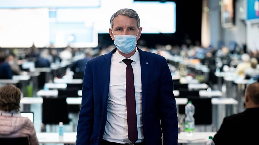 Masken-Gegner und Höcke dominieren AfD-Parteitag in Dresden