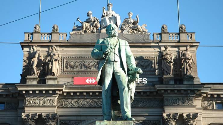 Für das Alfred-Escher-Denkmal vor dem Zürcher Hauptbahnhof soll einst ein Kriegstetter Modell gestanden haben.