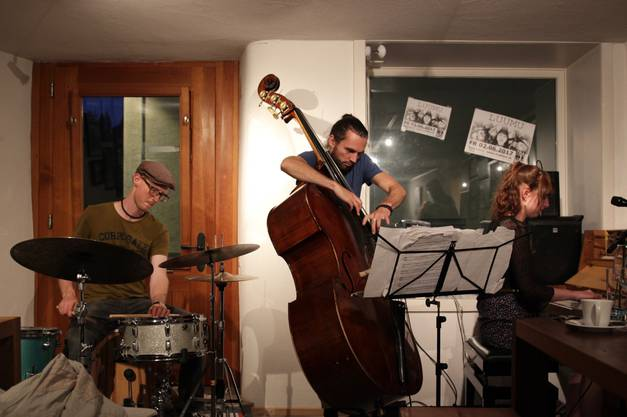 Das Jazztrio im Kulturbetrieb Tradinoi in Aarau.