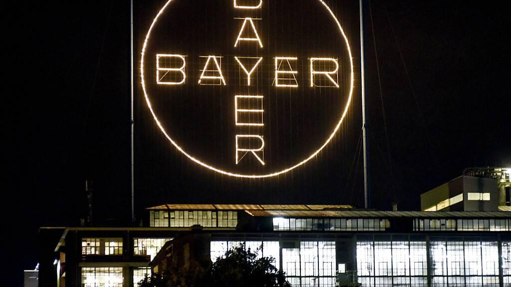 Negative Währungseffekte haben Bayer den Jahresauftakt verhagelt. Der bereinigte Betriebsgewinn (EBITDA) fiel um gut sechs Prozent auf 4,12 Milliarden Euro. (Archivbild)