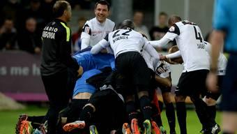 Aarauer Jubeltraube beim 4:0 am 10. Mai 2014 im Brügglifeld: Der bislang letzte Meisterschaftssieg gegen GC