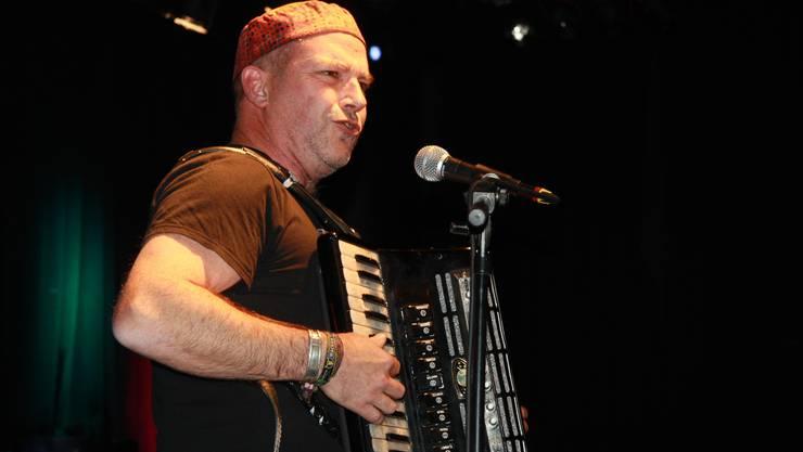 Der Wasserämter Musiklehrer Dülü Dubach wird zum 25-jährigen Jubiläum im Kofmehl auftreten. (Archiv)