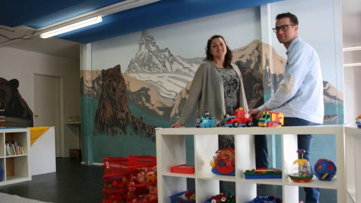 Nicole Schnyder und Olivier Chevalier in der neu gestalteten Kindertagesstätte Bäredörfli im Meierhof. -rr-