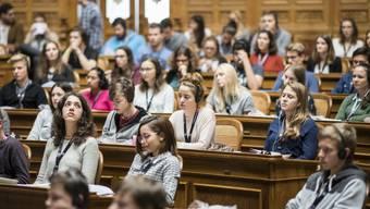 Rund 200 Jugendliche erhalten an der Jugendsession während vier Tagen einen Einblick in die Welt der Politik. (Archivbild)