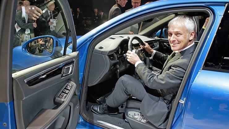 Nachdem Matthias Müller VW aus der Krise lenken soll, gibt er das Steuer bei Porsche an Oliver Blume ab.