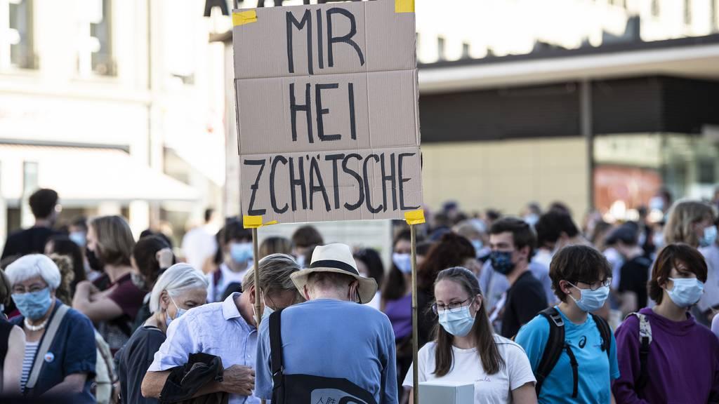 Der Anteil Schweizer Jugendlicher, die an politischen Demonstrationen teilnehmen, hat sich seit 2018 verdoppelt. (Symbolbild)