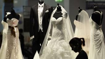 Damit waren auch die Hochzeitskleider weniger gefragt (Symbolbild)