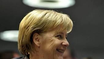 Angela Merkel wird mit Medaille geehrt (Archiv)