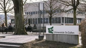 Die Universität St. Gallen (HSG) zieht Konsequenzen aus der vor einem Jahr aufgedeckten Spesen-Affäre. (Archivbild)