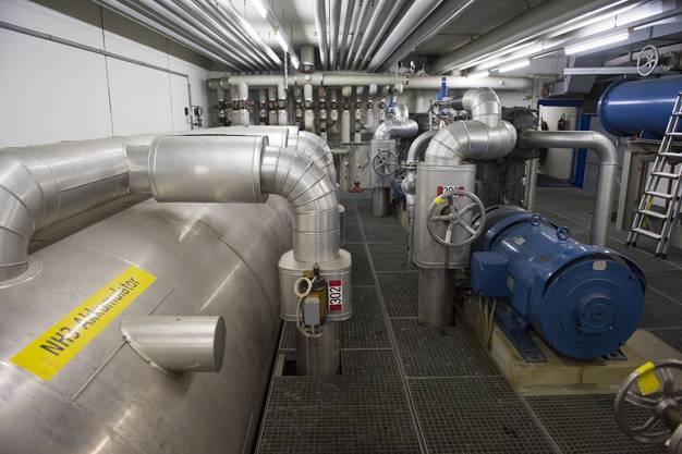 Die grosse Eismaschine im Untergeschoss
