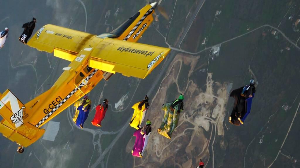 Schweizer Wingsuiter stellt Weltrekord auf