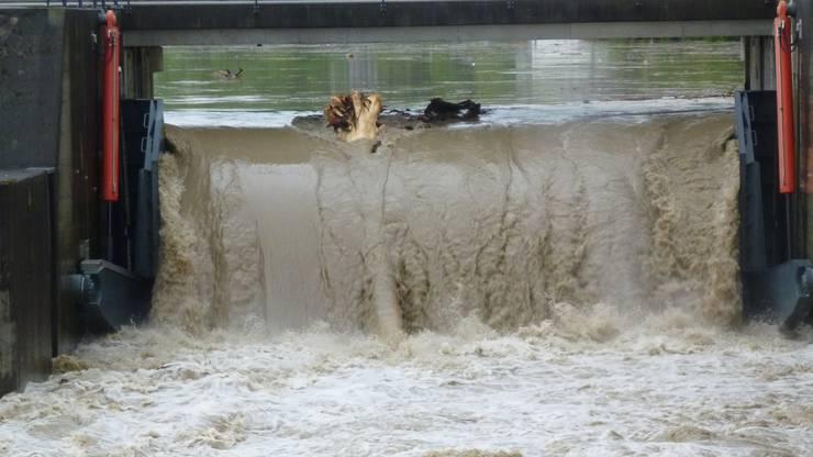 Beim Flusskraftwerk Ruppoldingen