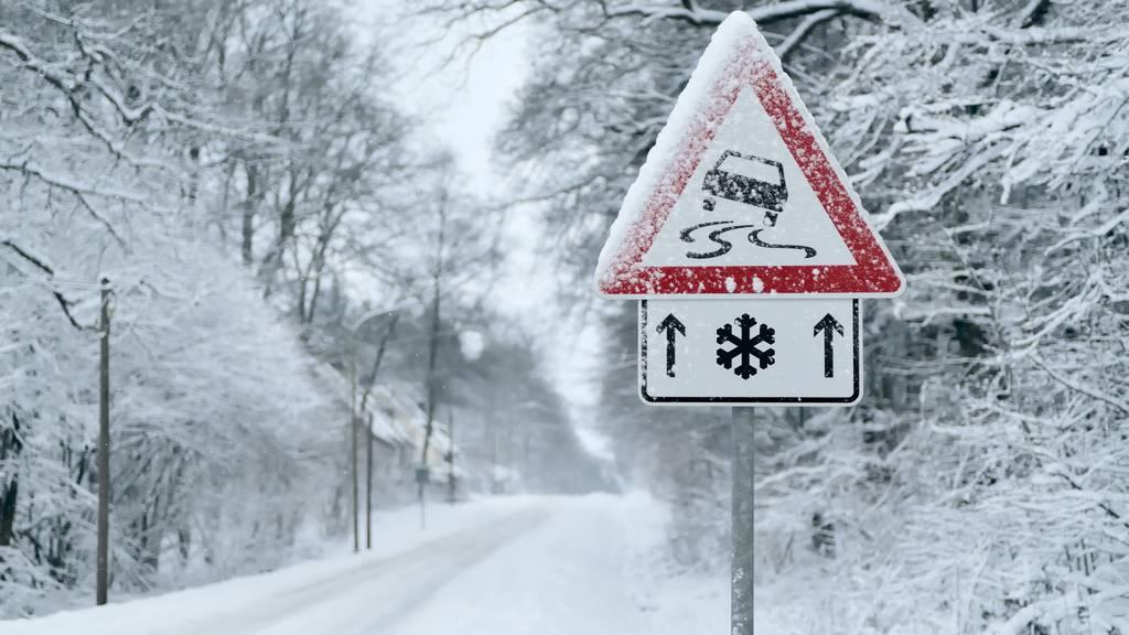 Am Sonntag schneit es bis ins Flachland