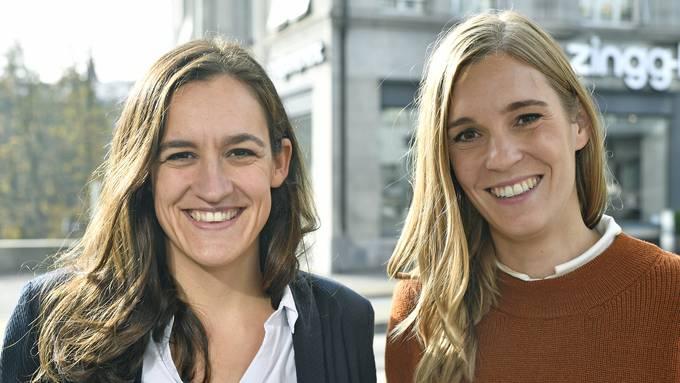 Sie sind mit ihren Parteien auf Erfolgskurs: Marionna Schlatter (Grüne) und Corina Gredig (GLP) freuen sich über je drei hinzugewonnene Sitze.
