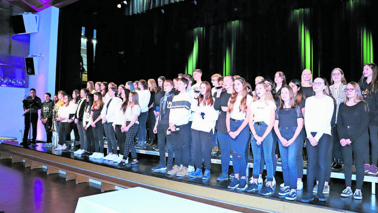 Sie werden die Kreisschule als Erste testen: Der Chor Menzo Singers besteht aus Jugendlichen aus dem Wynental.