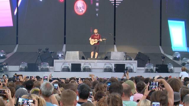 Ein Mann, eine Gitarre – und 48'000 im Glück