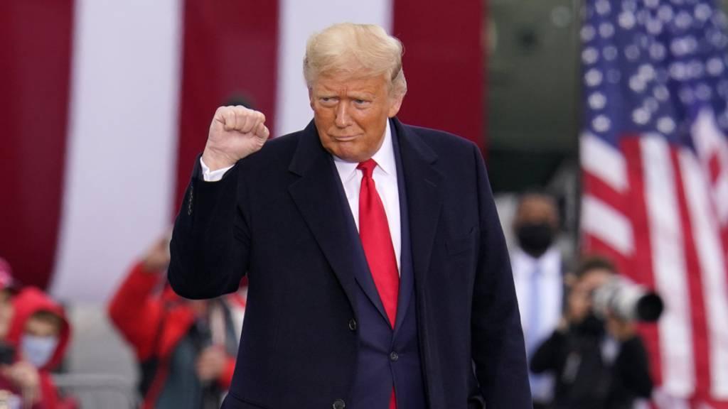Donald Trump, Präsident der USA, kommt zu einer Wahlkampfkundgebung.