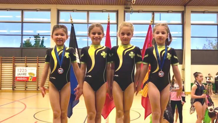 Kirsten Thieler, Soé Hersche, Ava Meier und Kristina Havryk