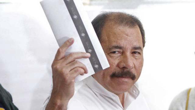 Nicaraguas Präsident Daniel Ortega vor der Stimmabgabe