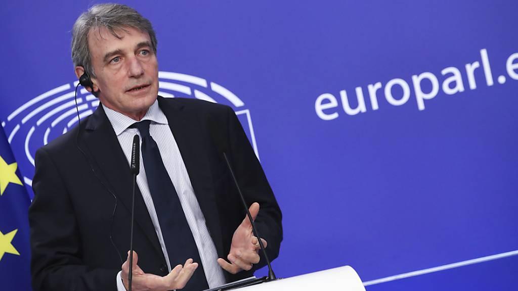 David Sassoli, Präsident des Europäischen Parlaments, spricht während einer Pressekonferenz am Rande des Videogipfels der EU-Staats- und Regierungschefs im Europäischen Parlament. Foto: Yves Herman/Pool Reuters/AP/dpa