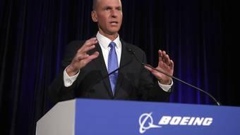 Boeing-Konzernchef Dennis Muilenburg verbreitete am Donnerstag (Ortszeit) viel Zuversicht für die Sicherheit der Flugzeuge der problematischen 737-Max-Serie.