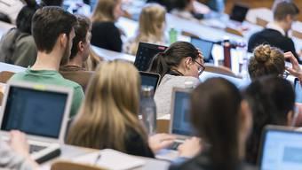 Die aus allen Nähten platzende Universität St. Gallen kann nach dem Ja der Stimmberechtigten erweitert werden.