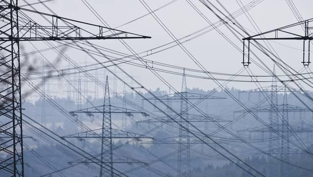 Das Bundesamt für Energie hat einen Vorschlag für die mögliche Linienführung der neuen 380-Kilovolt-Leitung erarbeitet.