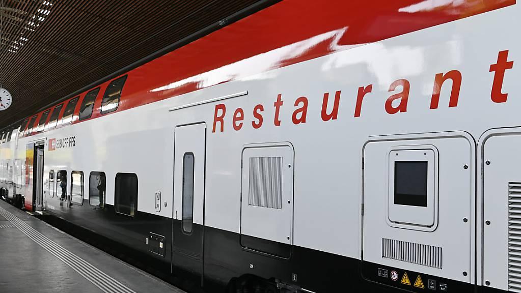 Ab kommendem Freitag sind die SBB-Restaurants wieder offen. Die Vorbereitungen für die Öffnungen nach sechs Monaten laufen nach SBB-Angaben auf Hochtouren. (Archivbild)