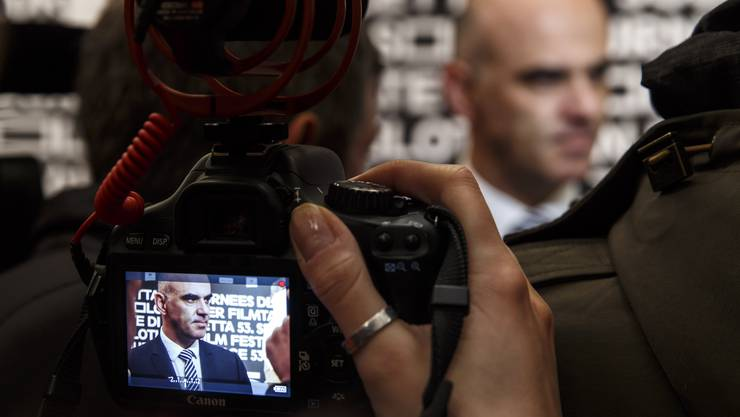 Bundesrat Alain Berset gab zahlreiche Interviews an den 53. Solothurner Filmtage.