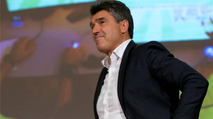 Der Schweizer Fifa-Schiedsrichter-Boss Massimo Busacca ist davon überzeugt, dass der Videobeweis dem Fussball nur helfen kann.