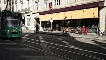 Ungewisse Zukunft für das Café der Confiserie Beschle am Bahnhof.