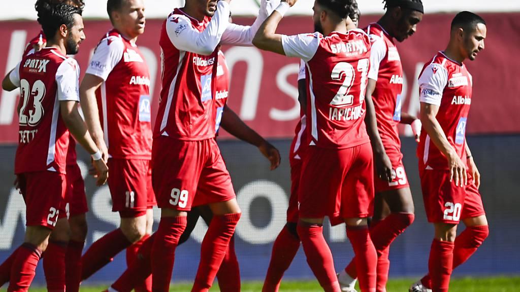 Guillaume Hoarau (Nummer 99) nährt mit einer Doublette gegen St. Gallen Sions Hoffnungen auf den Ligaerhalt