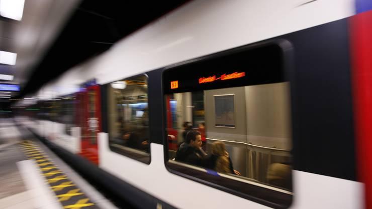 Durch das geplanten Bonus-Malus-System erhofft sich der Kanton eine höhere Zuverlässigkeit der S-Bahn.