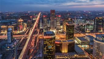 Grossstädte wie Peking (Bild) schlafen nie und sind ständig in Bewegung. Werden Sie künftig von Bauarbeiter-Drohnen instand gehalten?Thinkstock