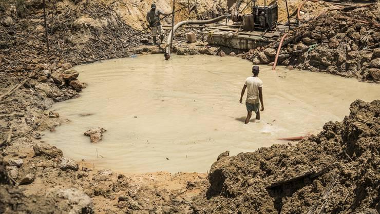 Bei Gold aus nicht industriell betriebenen Minen ist das Risiko von Menschenrechtsverstössen besonders gross. (Archivbild)