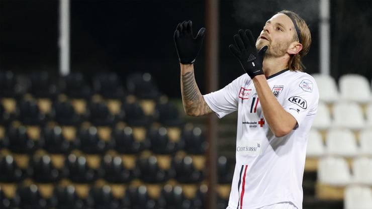 Olivier Jäckle ärgert sich über den verschossenen Elfmeter.