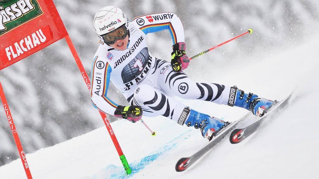 Viktoria Rebensburg gewinnt in Flachau.